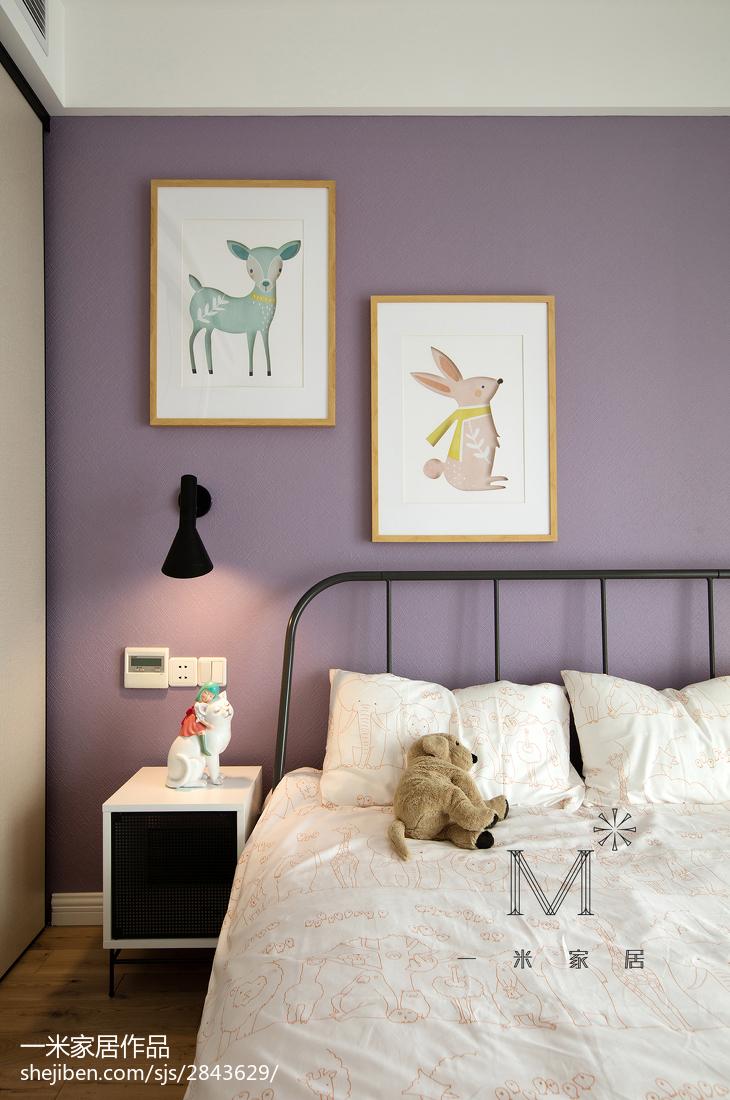 热门面积96平北欧三居卧室装修设计效果图片大全卧室床头柜北欧极简卧室设计图片赏析