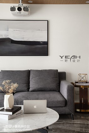 面积71平简约二居客厅装修欣赏图片