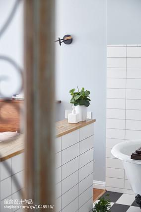 2018三居卫生间北欧装修设计效果图三居北欧极简家装装修案例效果图