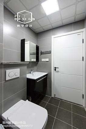 2018精选104平米三居卫生间北欧欣赏图片