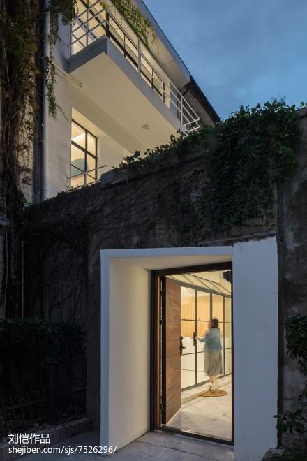 一个白色房子,一个生长的家_3078337