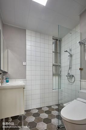 精选94平米三居卫生间北欧装修图片
