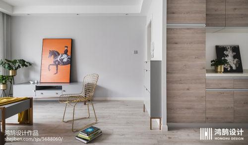 热门76平米二居客厅现代装修实景图片欣赏玄关81-100m²二居现代简约家装装修案例效果图