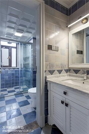 优美86平美式三居卫生间图片欣赏三居美式经典家装装修案例效果图