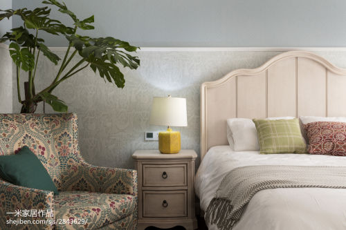 2018别墅卧室混搭装修欣赏图卧室床头柜201-500m²潮流混搭家装装修案例效果图