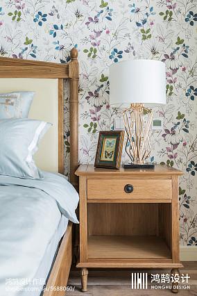 悠雅84平美式三居卧室装潢图
