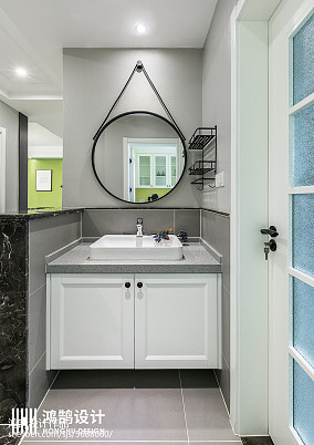 平现代三居卫生间案例图三居现代简约家装装修案例效果图