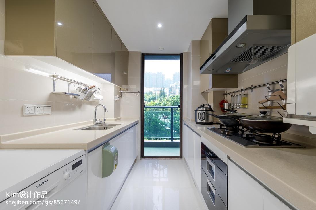 优美104平美式四居厨房装潢图餐厅美式经典厨房设计图片赏析