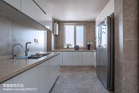 静谧现代厨房设计图片