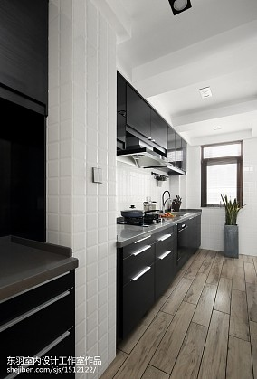 精美面积105平现代三居厨房装修图