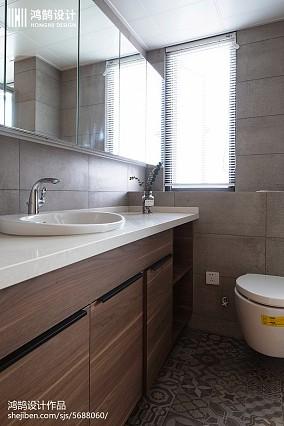 热门98平米三居卫生间现代设计效果图三居现代简约家装装修案例效果图