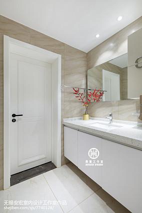 2018面积108平现代三居卫生间装修实景图片卫生间设计图片赏析