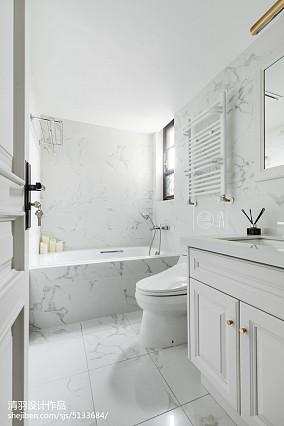 美式纯白卫浴设计实景图片