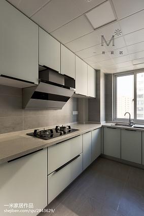 现代三居灰色系厨房设计图
