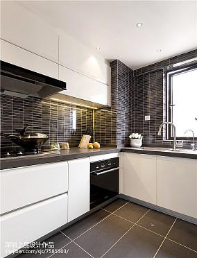 热门面积95平现代三居厨房装修图片欣赏