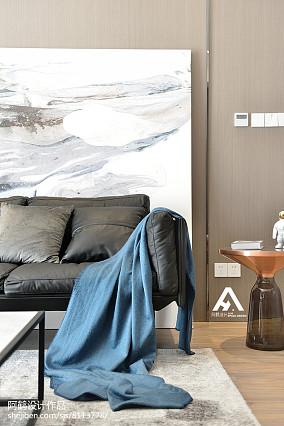2018精选79平米二居客厅现代装修图片