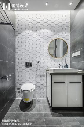 热门三居卫生间现代设计效果图三居现代简约家装装修案例效果图