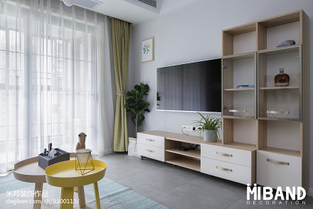 热门面积83平小户型客厅北欧装修实景图