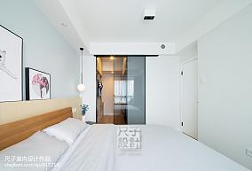 静谧北欧主卧设计卧室北欧极简设计图片赏析