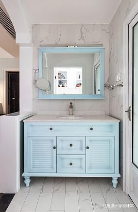 88平米美式卫浴设计卫生间美式经典设计图片赏析