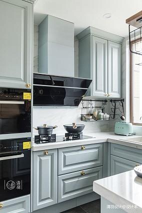 精致99平混搭三居厨房实景图