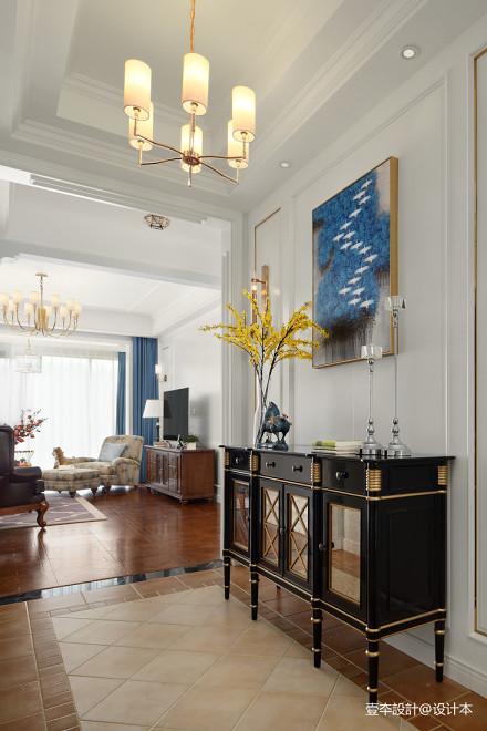 优雅94平美式三居玄关效果图欣赏客厅