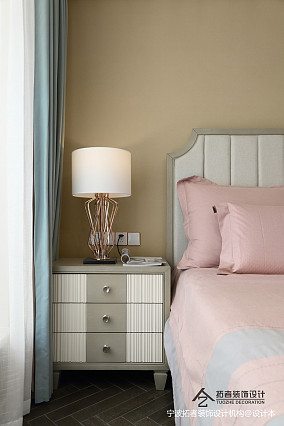 大气105平美式三居卧室装修案例三居美式经典家装装修案例效果图