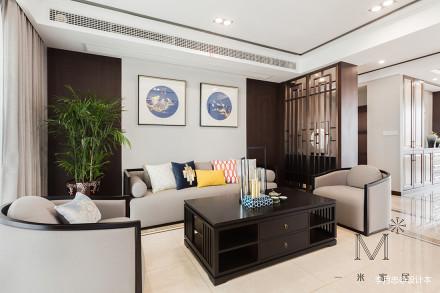悠雅112平中式四居客厅图片欣赏