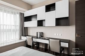 优美103平现代三居卧室装修设计图