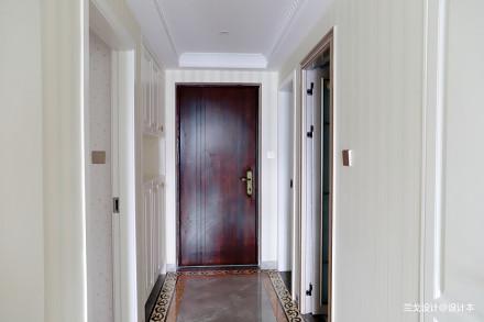 面积106平混搭三居玄关装修设计效果图片