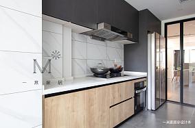 优雅75平简约三居厨房装修图
