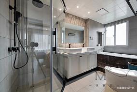 大气122平美式三居卫生间装修美图三居美式经典家装装修案例效果图