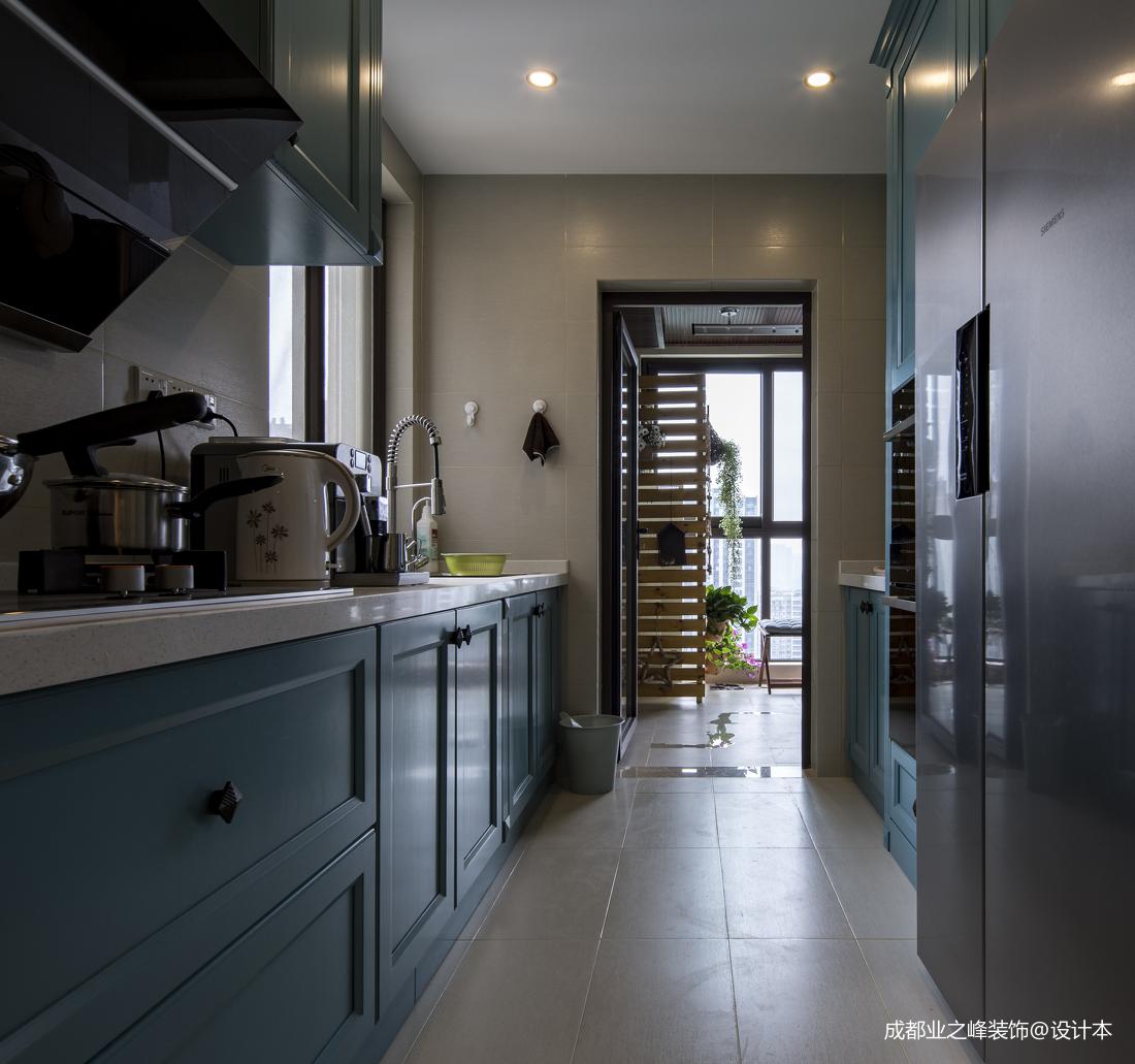 温馨116平美式三居厨房效果图餐厅橱柜美式经典厨房设计图片赏析
