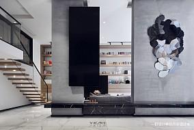 温馨358平现代复式客厅实景图