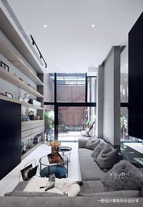 轻奢80平现代复式客厅效果图欣赏