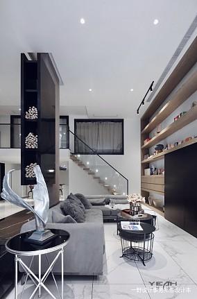 轻奢72平现代复式客厅设计美图
