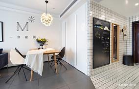 典雅89平现代二居客厅装饰美图