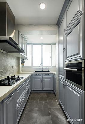 悠雅75平美式三居厨房装修美图