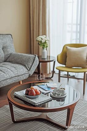 典雅27平混搭小户型客厅布置图