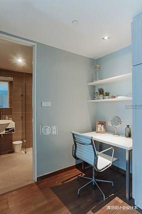 轻奢38平混搭小户型客厅案例图