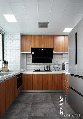 明亮85平中式三居餐厅装修效果图三居中式现代家装装修案例效果图