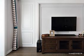 温馨89平美式二居客厅设计图