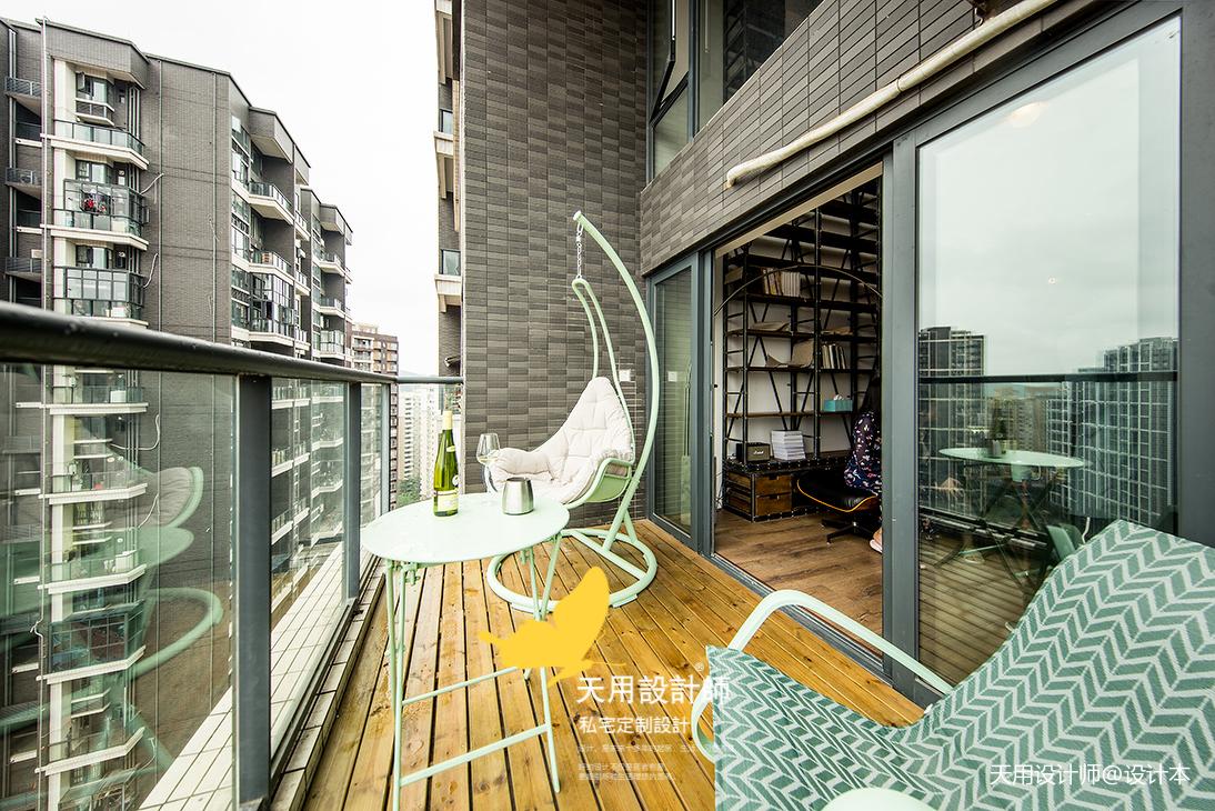 精致89平LOFT二居阳台实拍图阳台木地板潮流混搭阳台设计图片赏析