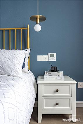 浪漫53平美式二居卧室装潢图