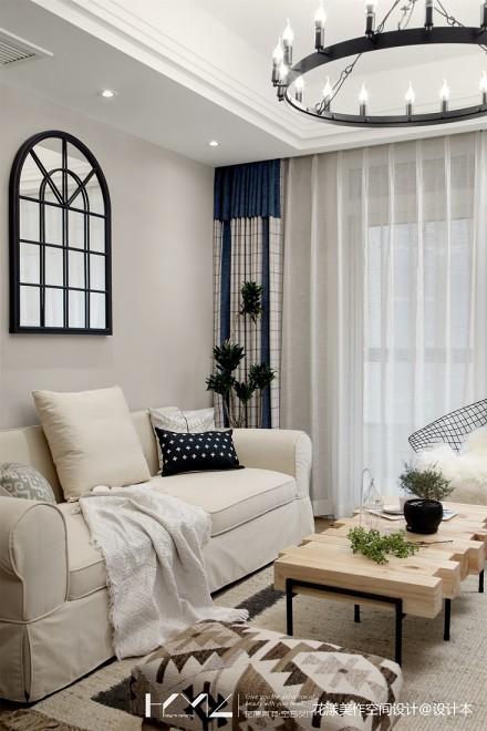 浪漫113平混搭三居客厅装潢图