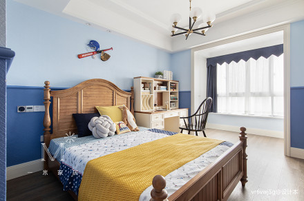 精美77平美式复式卧室装修图片