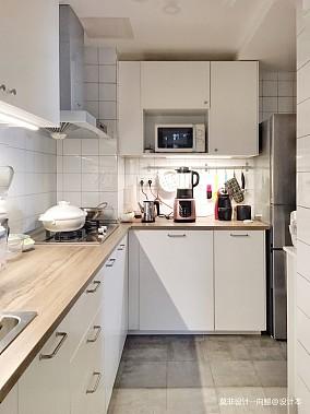 大气100平中式三居厨房装潢图