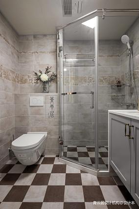平美式三居卫生间案例图三居美式经典家装装修案例效果图