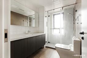 悠雅60平现代二居卫生间装修装饰图