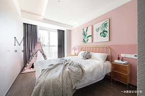 轻奢91平现代三居卧室实景图